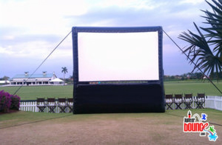 Inflatable20Movie20Screen 859442841 big Inflatable Movie Screen 25'